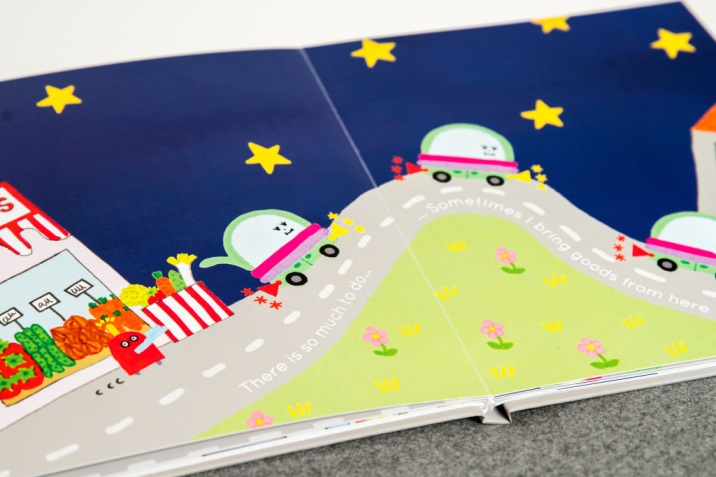 "moovel lab : Kinderbuch ""Where Do Cars Go at Night?"" soll Kinder und Jugendliche anregen, am Diskurs üebr die Zukunft der Mobilität teilzunehmen. ; moovel lab: children's book ""Where Do Cars Go at Night?"" should encourage children and adults to take part in the social discourse about the future of mobility. ;"
