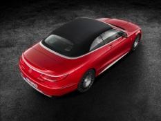 Mercedes-Maybach S 650 Cabriolet Studioaufnahme Exterior, geschlossenes Verdeck ;Kraftstoffverbrauch kombiniert: 12,0 l/100 km; CO2-Emissionen kombiniert: 272 g/km Mercedes-Maybach S 650 Cabriolet studio shot, closed soft top; Fuel consumption combined: 12,0 l/100 km; Combined CO2 emissions: 272 g/km