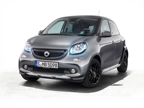 Viel Platz und ein cooler Look zeichnen den smart forfour crosstown edition aus, der als Crossover-Modell ideal für die Stadt ist. ; Plenty of space and a cool look define the smart forfour crosstown edition, a crossover model that is ideal for the city.;
