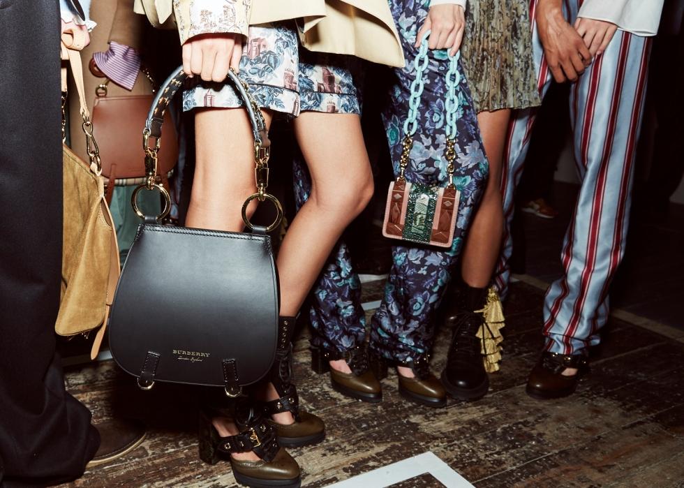 ss-2017_london-fashion-week_GB_0001_burberry_68263